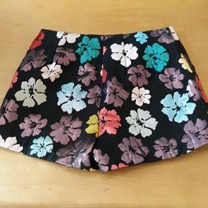 Floral shorts M